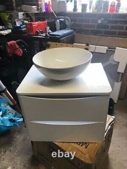 Wall hung vanity unit and sink gloss white