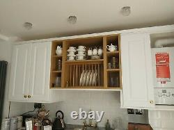 Wall mounted kitchen plate rack